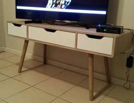 Tv stand - trendy