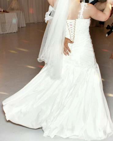 Maggie Sottero Wedding Gown Bellville - image 5