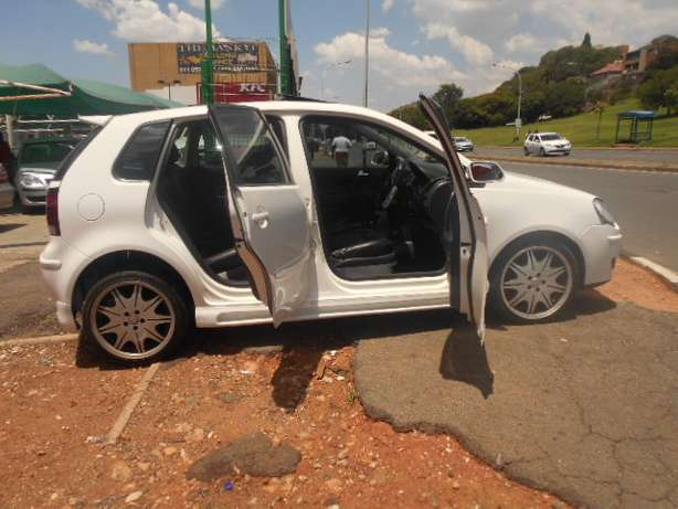 2008 VW Polo 1.6 Full house with mags and a sunroof for sale Johannesburg - image 5