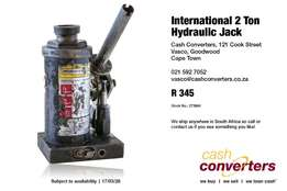 International 2 Ton Hydraulic Jack
