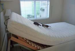 ADJUSTABLE Deluxe Single Bed - Perfect condition