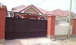 3bedrooms self compound for rent