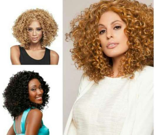 Wavy and Curly heat resistance wigs Lagos Mainland - image 2
