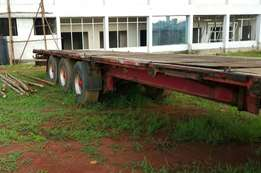 Bachu trailer 40' flat bed for urgent sale at just 40m