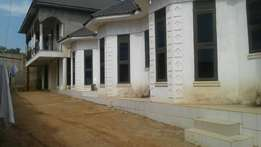 Naajjjjera buwate four bedroom house and give rentals for 275m