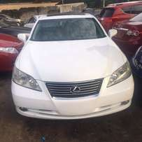Extremely clean Lexus ES 350 for grabs
