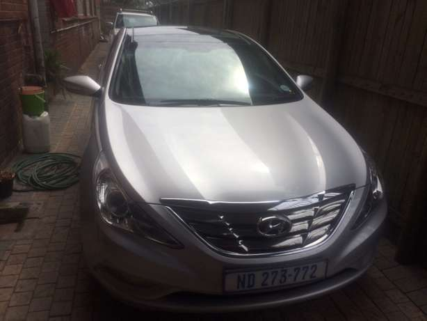 2012 Hyundai Sonata 2.4 GLS Executive Automatic Pinetown - image 2