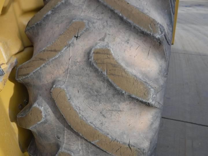 Caterpillar CS76 - 2012 - image 25