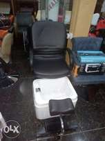 Pedicure seat with leg rest and footbath