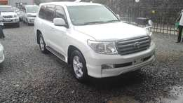 Toyota landcruiser v8 petrol 2009 ,leather,super clean like new