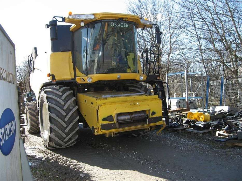 New Holland Cr 9070 - 2011