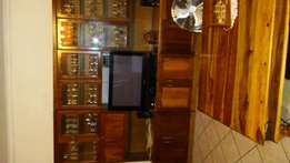 Wall unit with 144 selection glasses