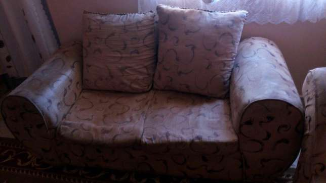 Brown 2 seater sofa Kariobangi South - image 3