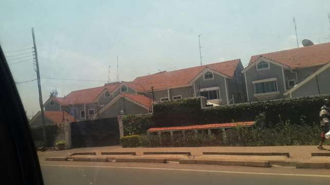 One acre land for sale Lavington muthangari Lanet - image 4