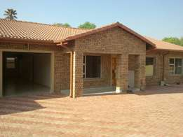 3 x bedroom townhouse for rent in bethal