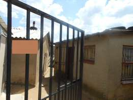 House for sale Diepkloof zone 5 R350 000 Cash