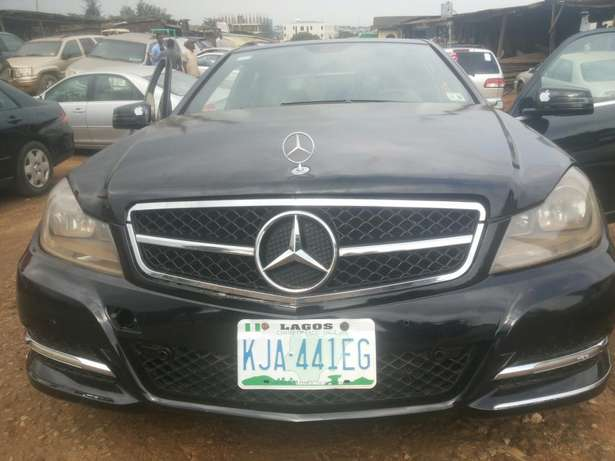 Neat 011 mercedes c350 for sale Ikeja - image 1