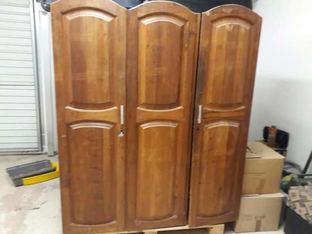 Dark brown wooden cupboard for sale. Midrand - image 1