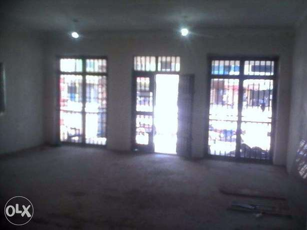 business house for rent in iganga district Uganda on main street Iganga - image 3