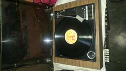 Vintage Gerrard 68SB turntable working perfectly