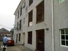 TO LET 2Bedroom Flat