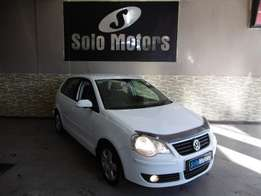 White Volkswagen Polo 2.0 Highline 2006 5 Door