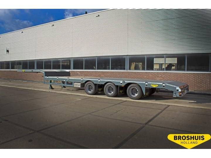 Broshuis 3-axle selftracking semi low laoder single extendible