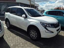 2017 Mahindra XUV 500 W8 Manual