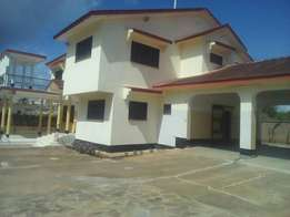 A stunning 4 bedroom own compound house for rent in nyali