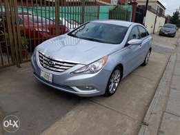 Super clean Hyundai Sonata 2013model Thumbstart