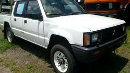 Manual L200 Pick up Truck