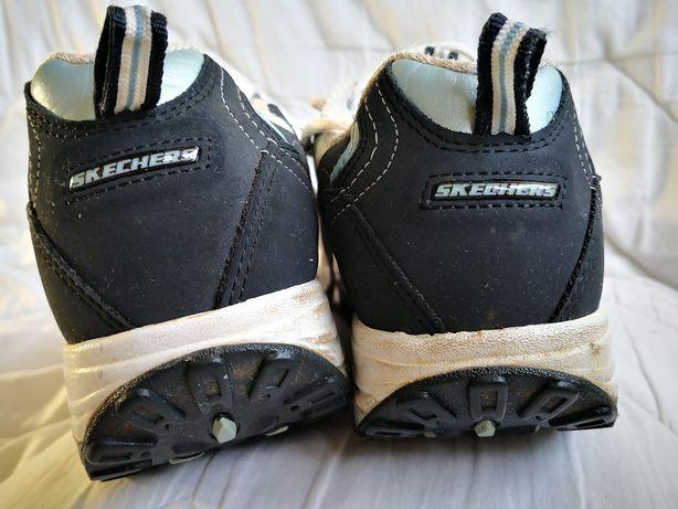 Buty sportowe 37,5 modelujące sylwetkę Skechers Shape ups 24