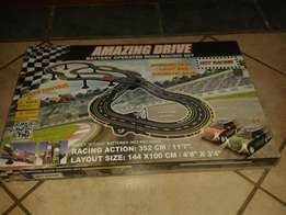 AMAZING DRIVE Battery operated Road Raceing set