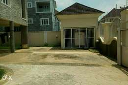 3 bedroom serviced apartment at Jabi.( N2.6M)