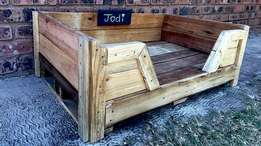 Pallet Dog Bed (Small) with chalk name board