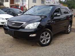 Toyota harrier 2011 model 3 cameras,leather interior very clean
