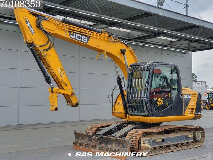 JCB JS130LC Blade and hammer line - 2011