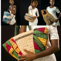 Straw bags with a touch of the African print