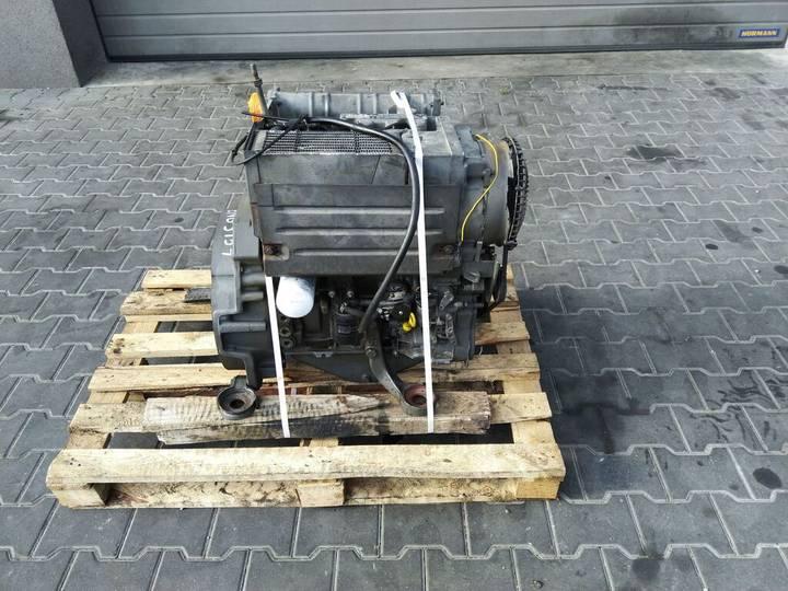 Deutz F3L1011F 3-cylindrowy Engine Motor engine for  Silnik