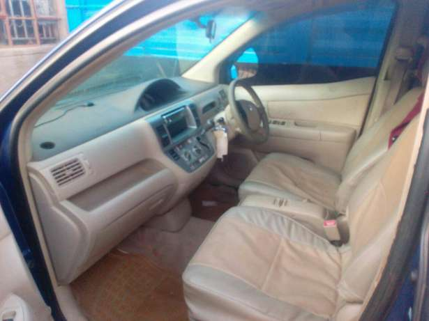 Selling toyota Elgonview - image 2