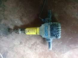 I'm selling Bosch machine,in good condition .I dnt need it anymore
