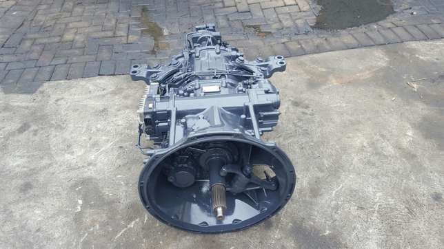 Mercedes actros mp3 G211-12 gearbox with ecm Africa - image 3