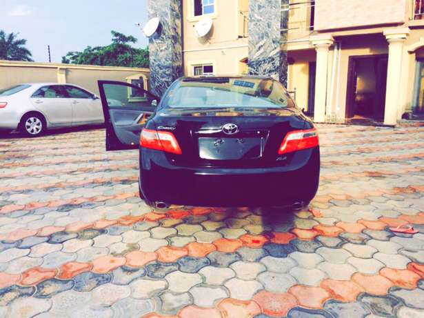 2008 Foreign used Toyota Camry XLE MUSCLE Lekki - image 2