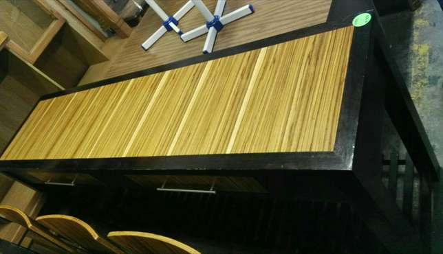 Dinningroomtable with 6 chairs Rustenburg - image 2