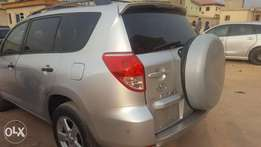 Super clean toks Toyota rav4 2007