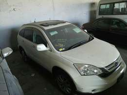 Honda CRV White with Sunroof 2010