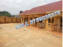Romantic 2 bedroom house in Bweyogerere at 450k per month