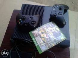XBOX One console with 2pad and Fifa17