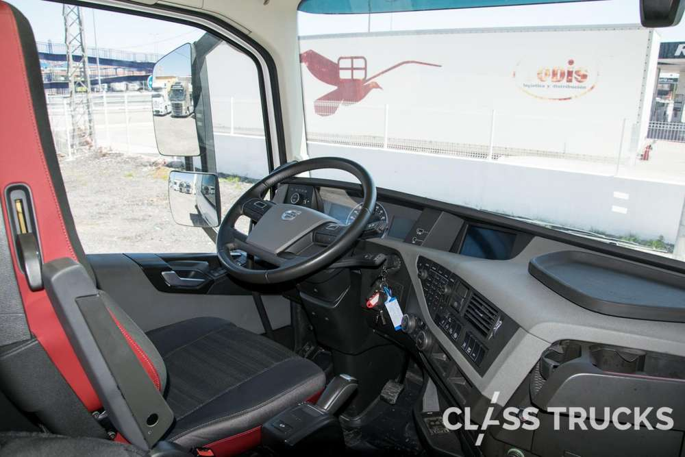 Volvo FH13 500 4x2 XL Euro 6 RETARDER - 2017 - image 9