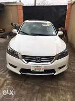 Sparkly Clean newly cleared 2014 Honda Accord Full options